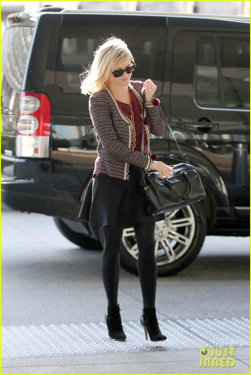 reese witherspoon naomi watts share secrets after yoga 063048719