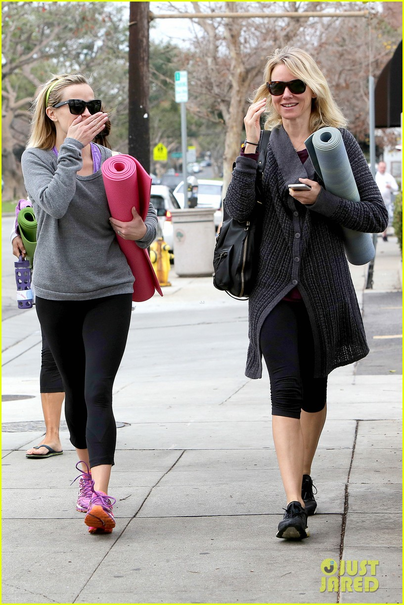reese witherspoon naomi watts share secrets after yoga 073048720