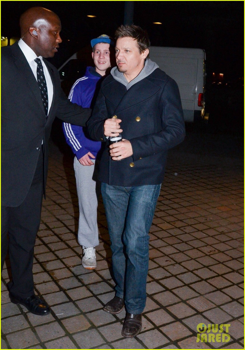 jeremy renner suki waterhouse robocop after party 033048353