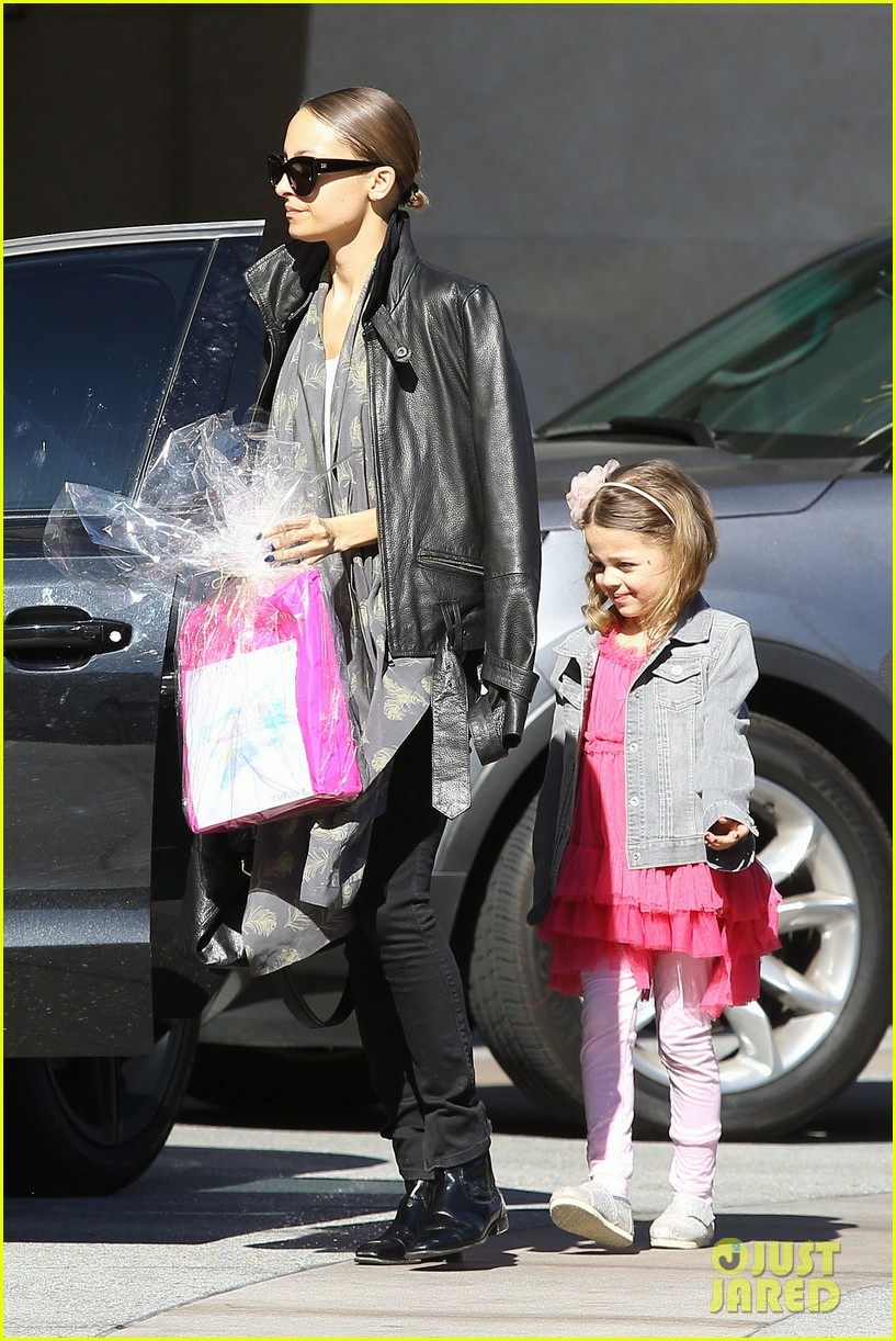 nicole richie birthday party fun with cutie pie harlow 213046780