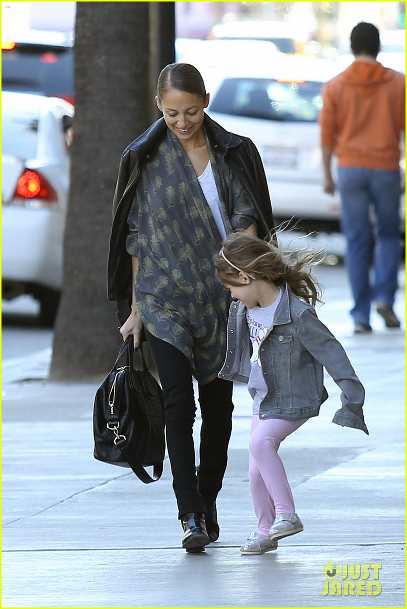 nicole richie birthday party fun with cutie pie harlow 223046781