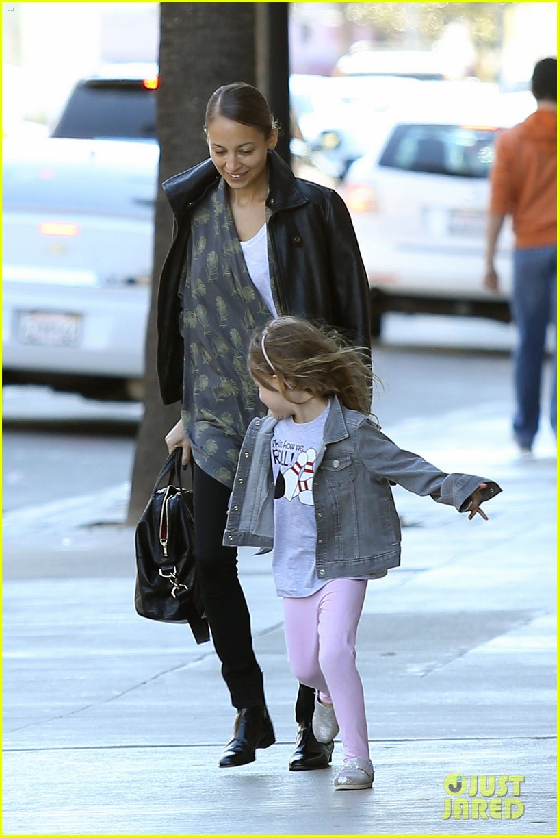 nicole richie birthday party fun with cutie pie harlow 263046785