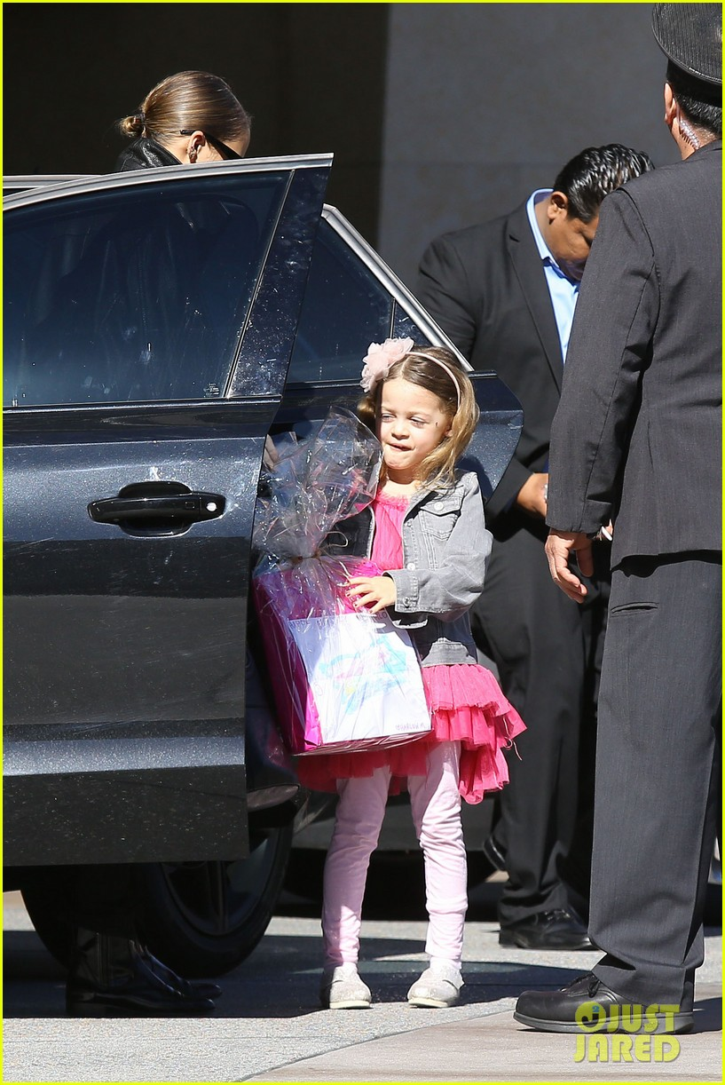 nicole richie birthday party fun with cutie pie harlow 293046788
