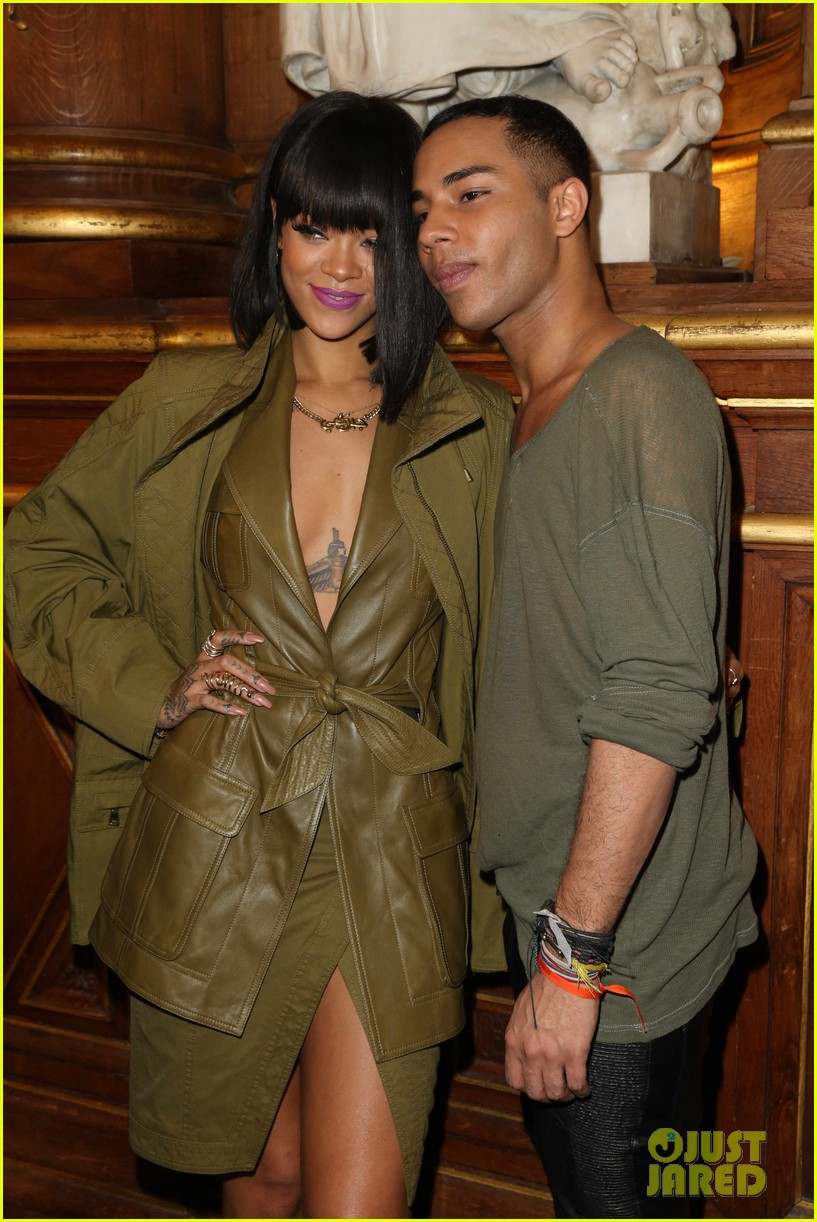 rihanna displays cleavage for balmain paris fashion show 023061615