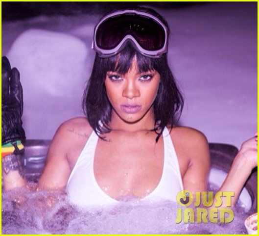 rihanna flaunts bikini body on snowy birthday vacation 023057977