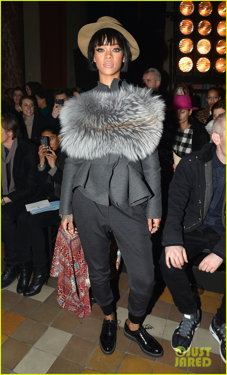 rihanna wears her fur at lanvin paris fashion show 04