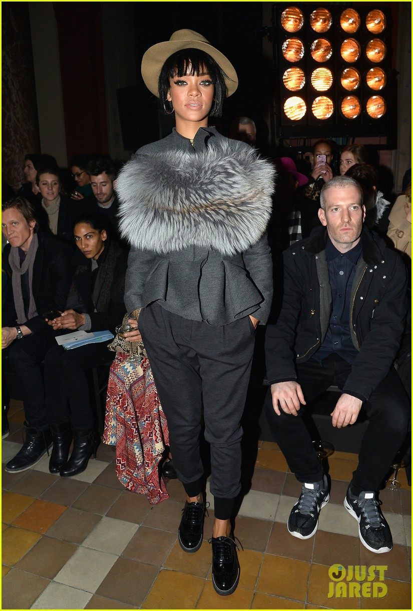 rihanna wears her fur at lanvin paris fashion show 053061691
