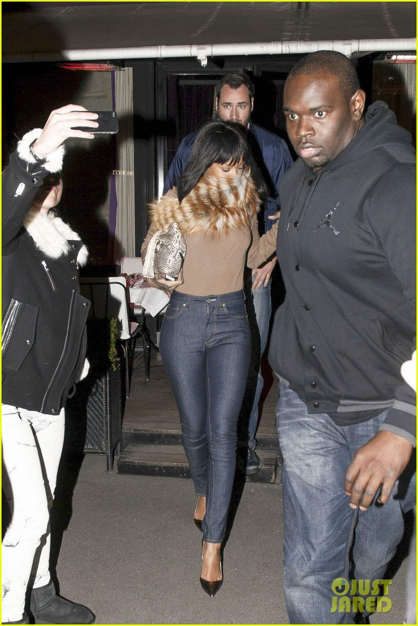 rihanna paris dinner at lavenue 063059493