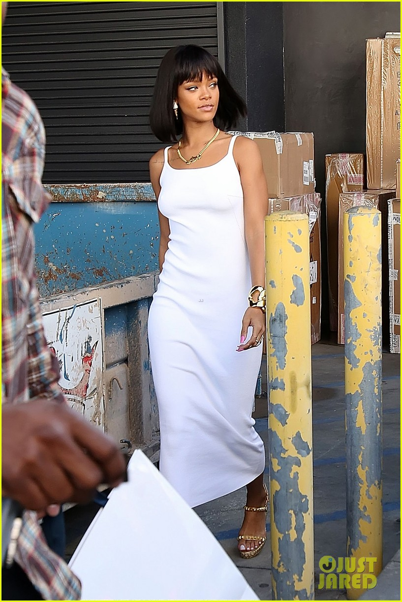 rihanna wears sleek white dress to shop at moncler 04
