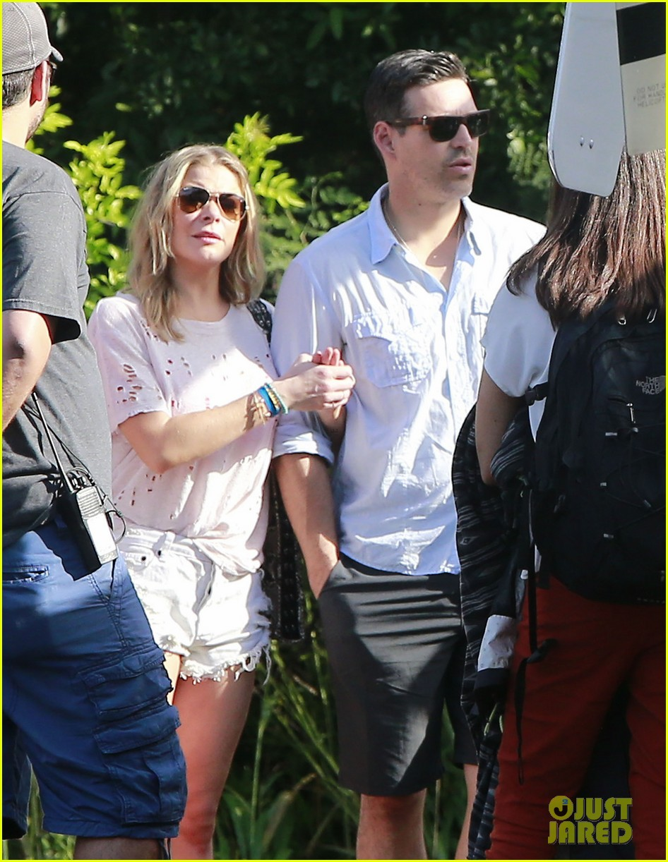 leann rimes eddie cibrian go whale watching in hawaii 023048357