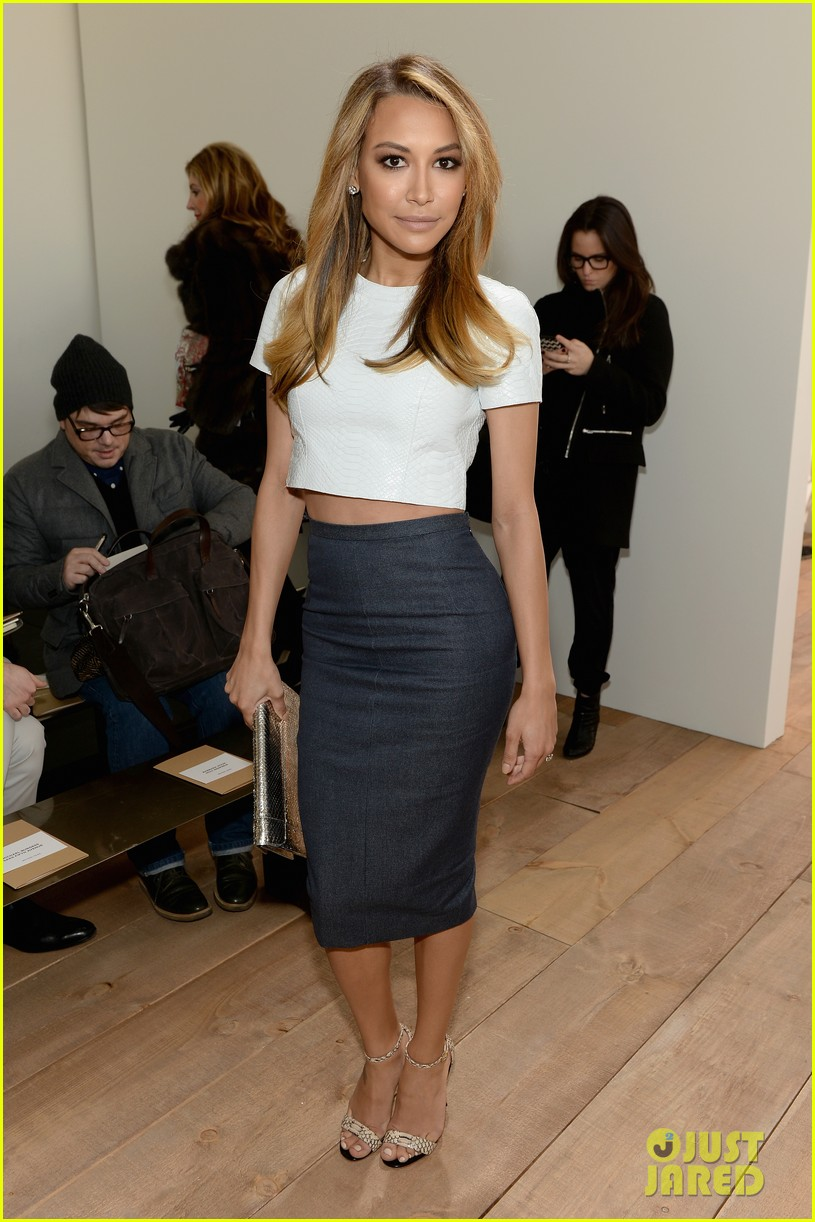 naya rivera shows some midriff at michael kors show 063052103