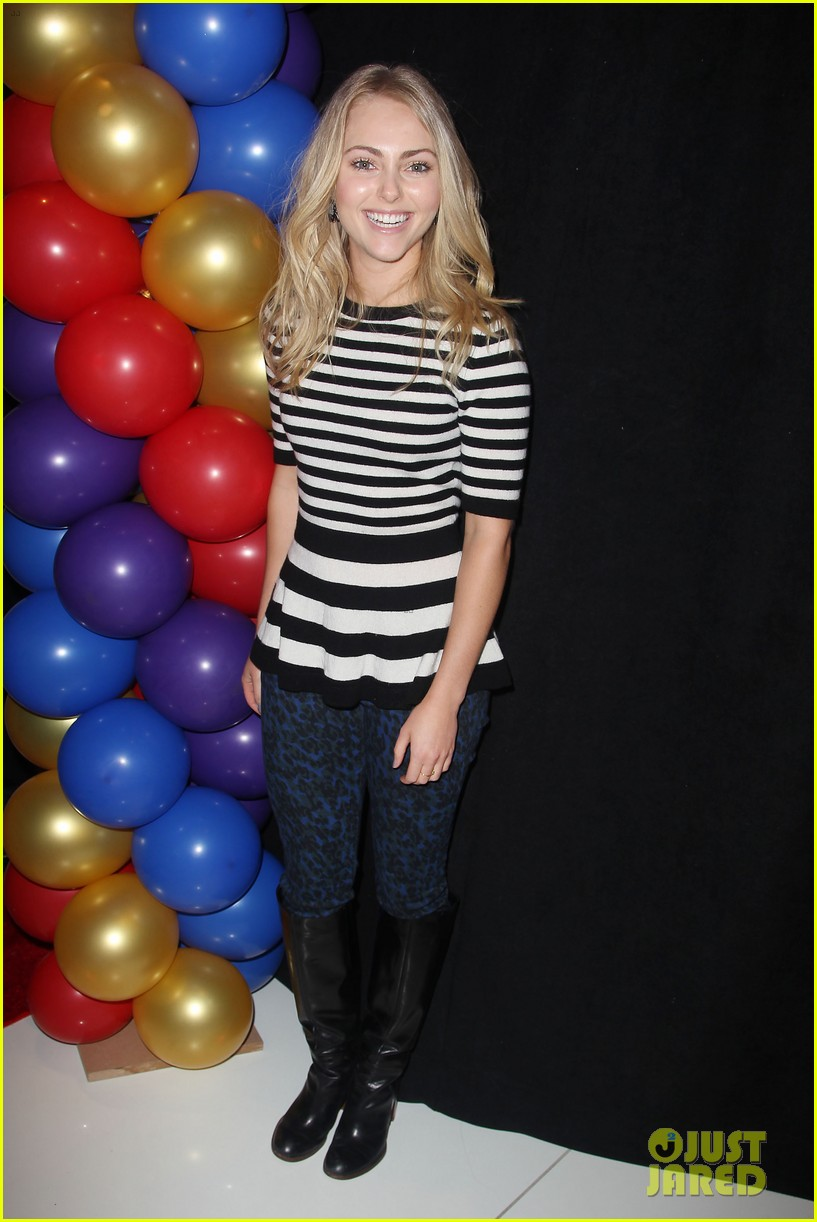 annasophia robb helps welcome the circus to brooklyn 28