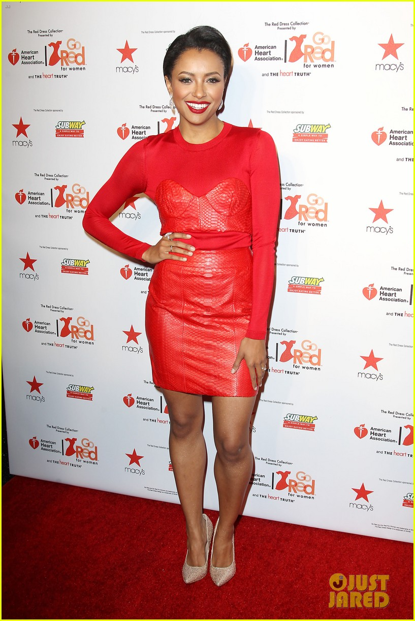 annasophia robb kat graham red dress fashion show 033048869