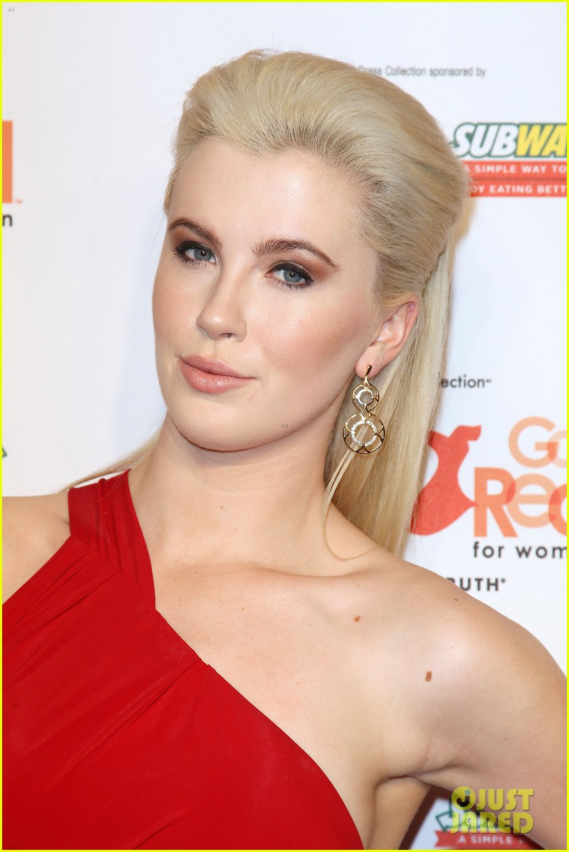 annasophia robb kat graham red dress fashion show 143048880