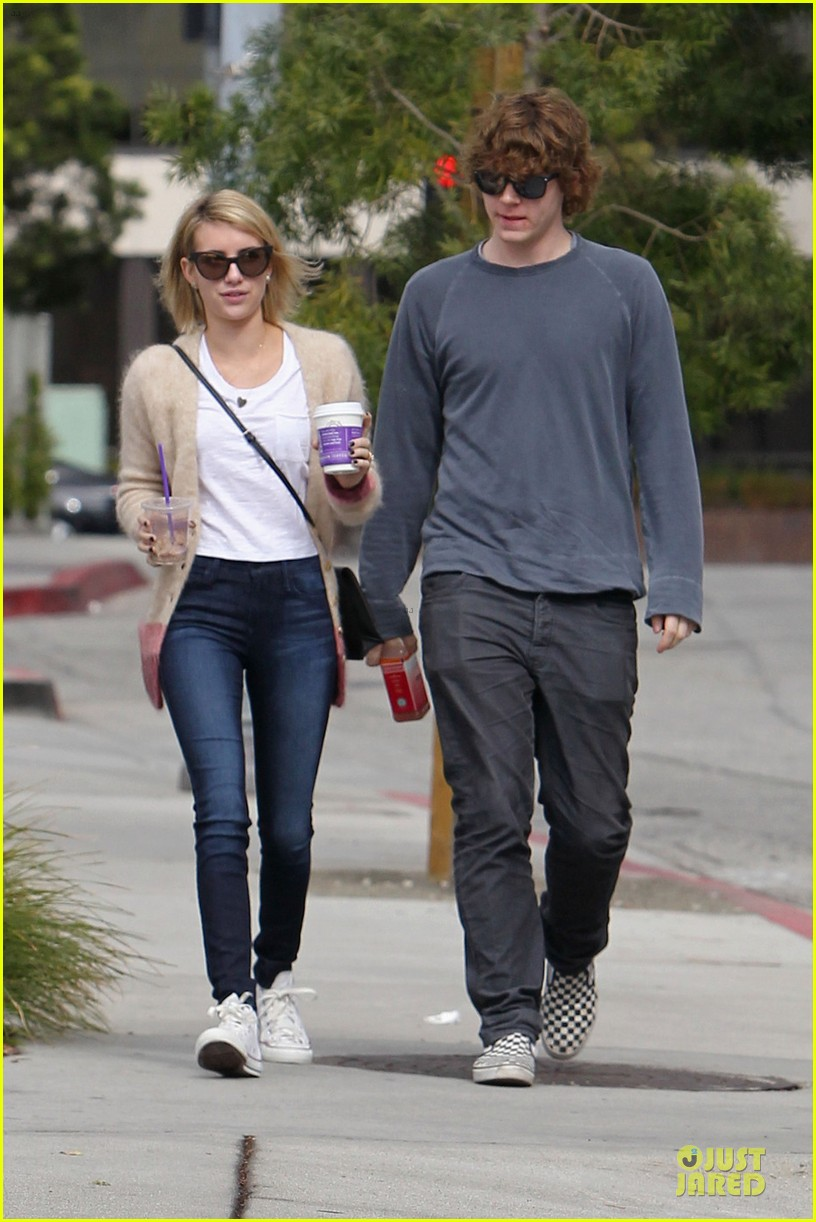emma roberts toasts 23rd birthday with evan peters 033051156