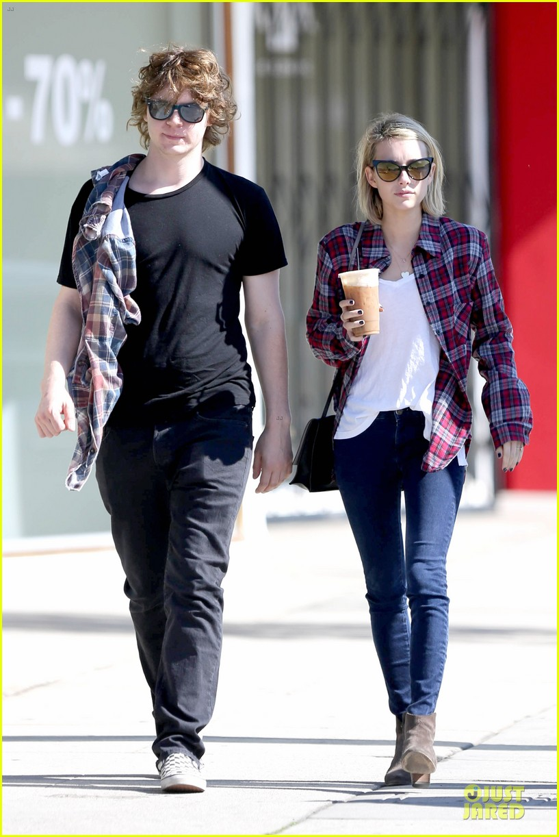 emma roberts toasts 23rd birthday with evan peters 063051159