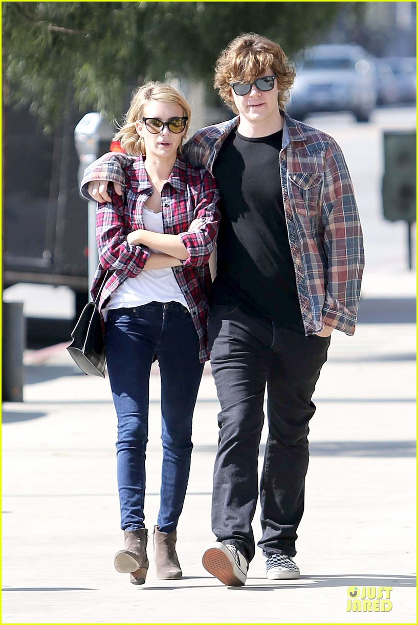 emma roberts toasts 23rd birthday with evan peters 103051163