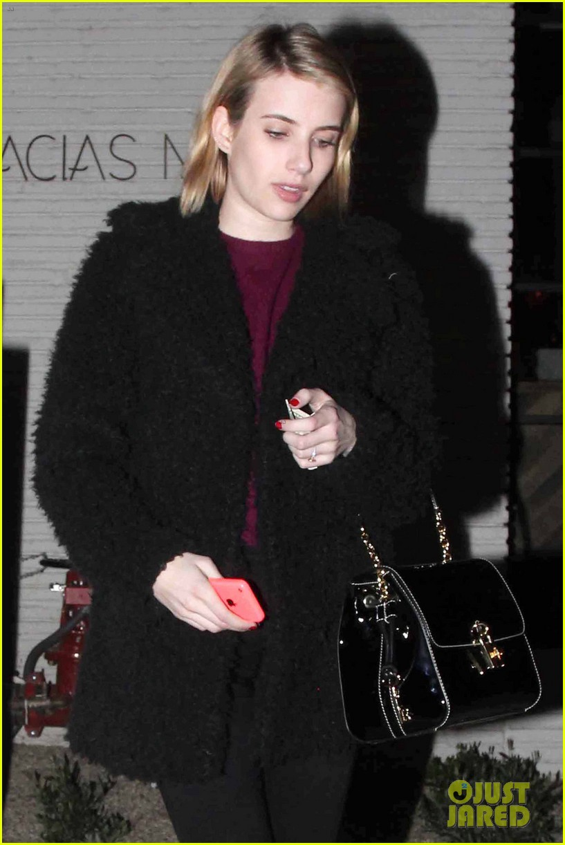 emma roberts fiance evan peters thought i was so weird 063047330