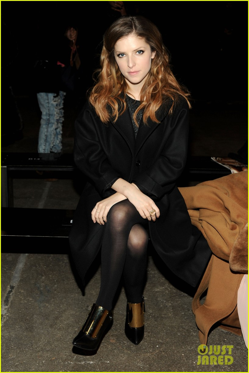 holland roden anna kendrick get front row look at philosophy show 013052142