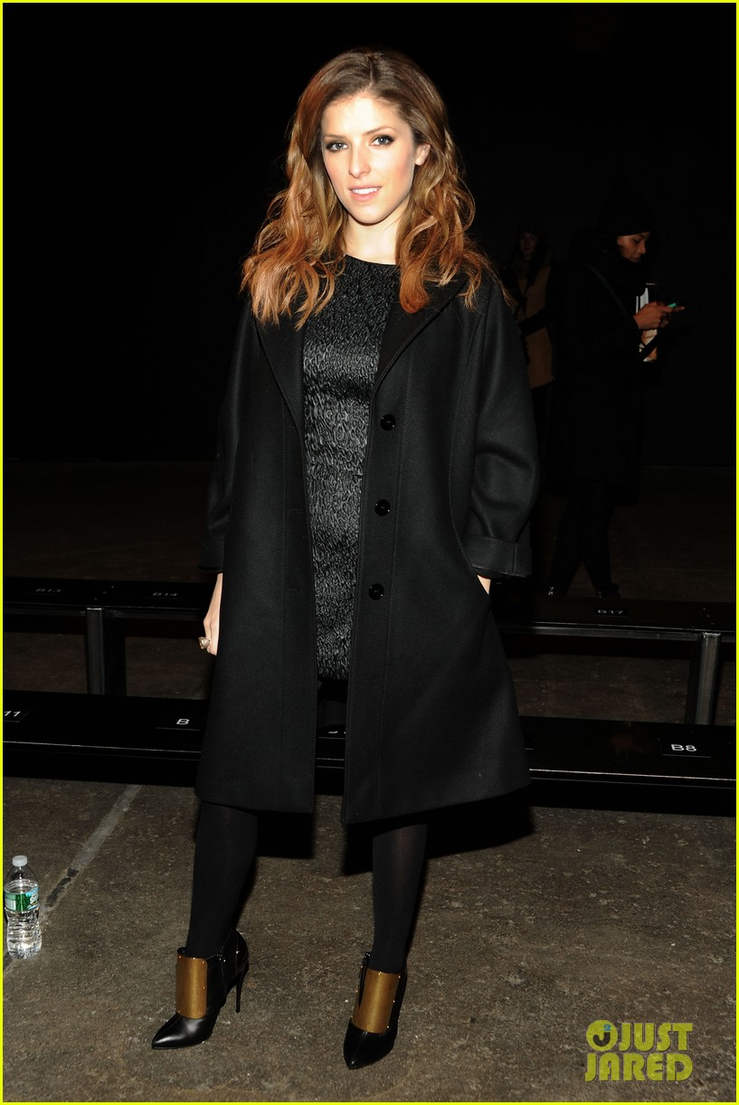 holland roden anna kendrick get front row look at philosophy show 033052144