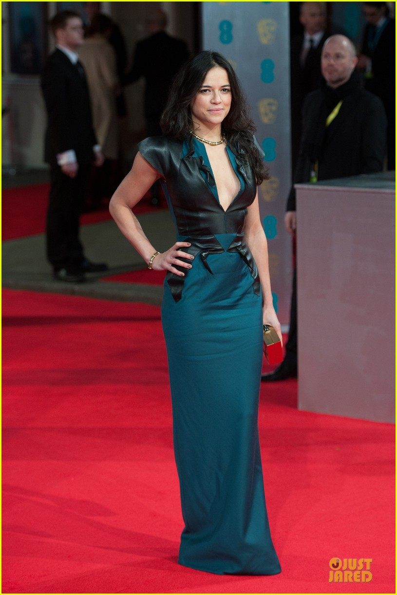 michelle rodriguez baftas 2014 red carpet 03