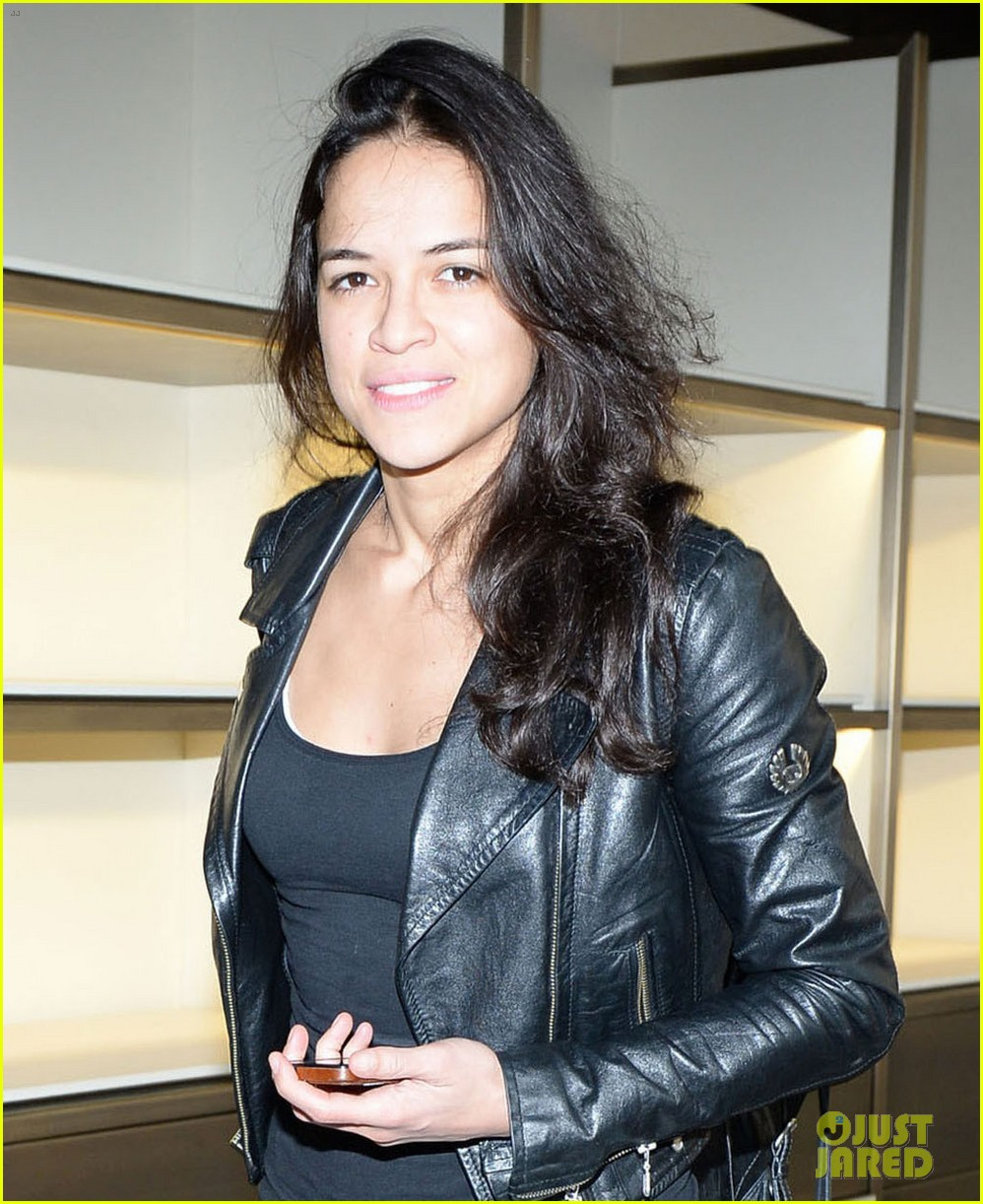 michelle rodriguez supports rumored girlfriend cara delevingne at fendi show 063057540