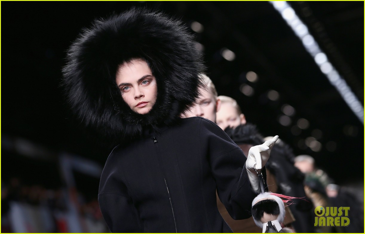 michelle rodriguez supports rumored girlfriend cara delevingne at fendi show 093057543