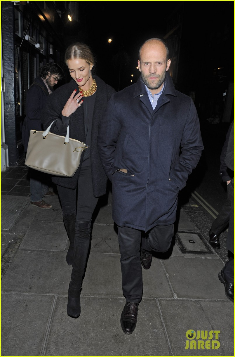 rosie huntington whiteley gushes over boyfriend jason statham 013054369
