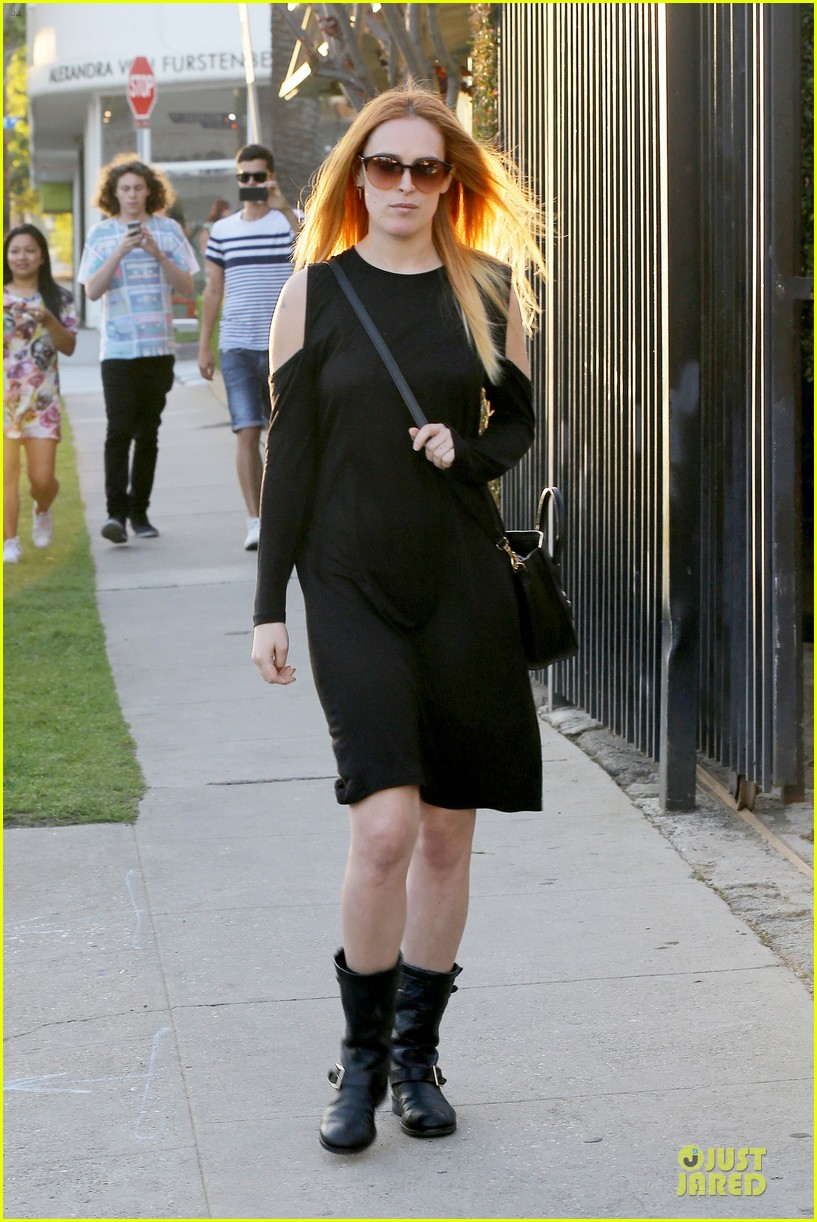 rumer willis rocks lighter hair at andy lecompte salon 03