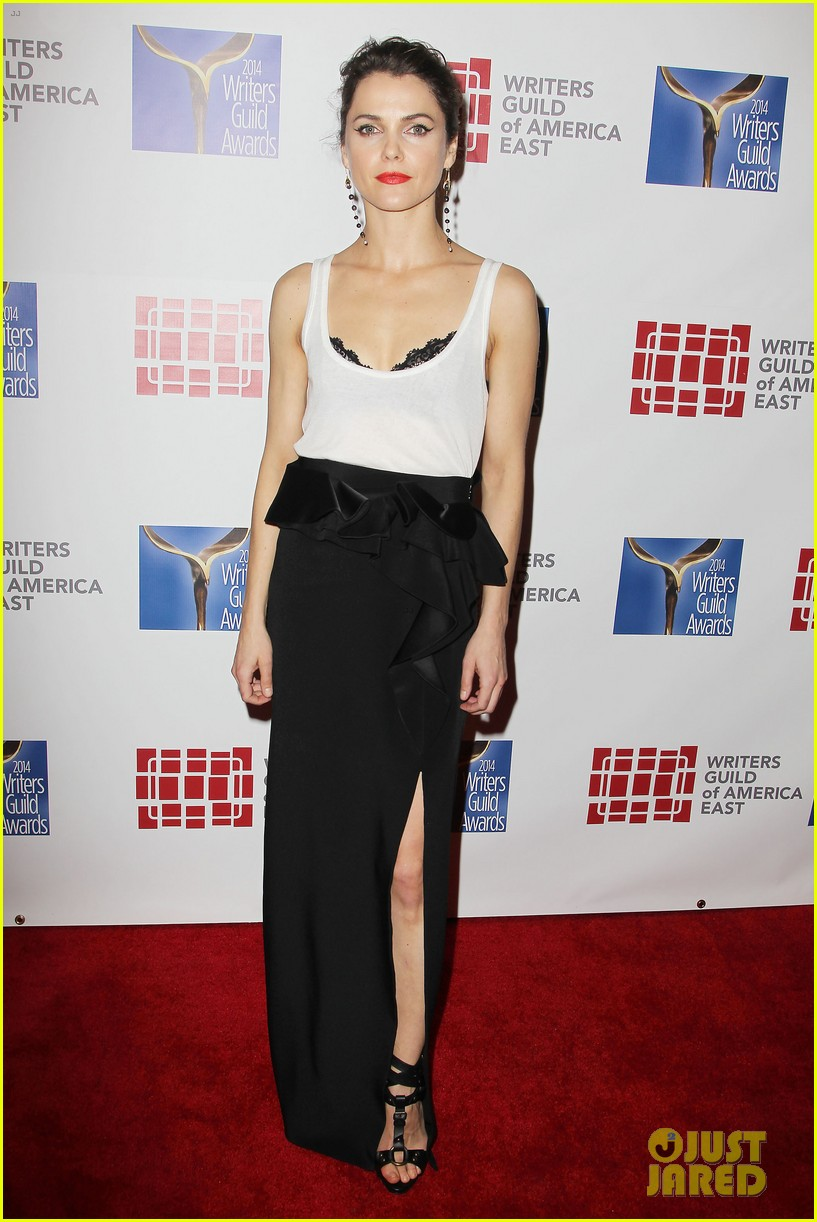 keri russell emily mortimer writers guild awards 2014 013045911