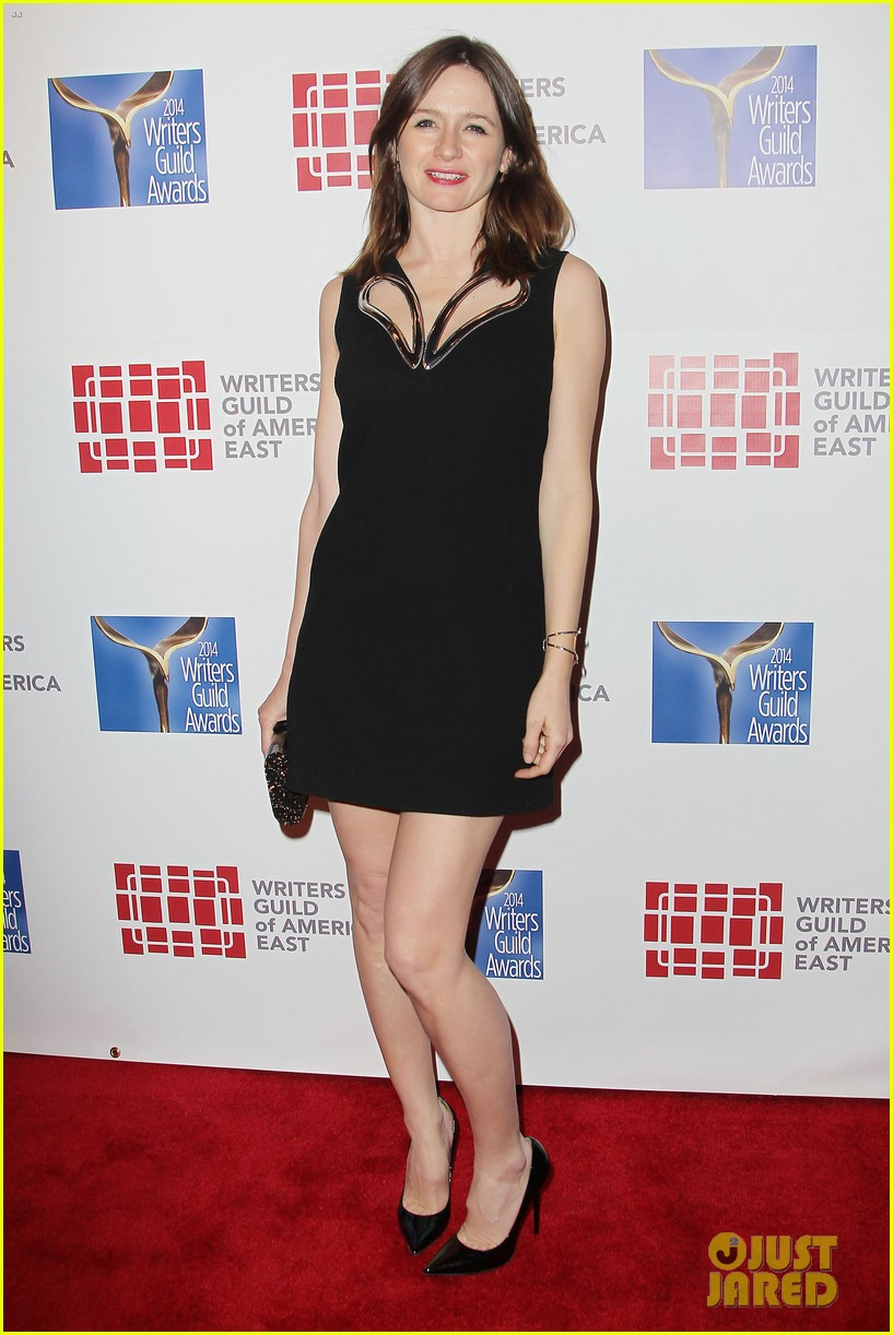 keri russell emily mortimer writers guild awards 2014 16