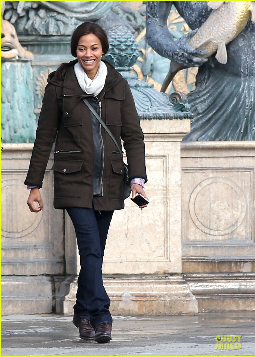 zoe saldana bundled for rosemary baby set 023045301