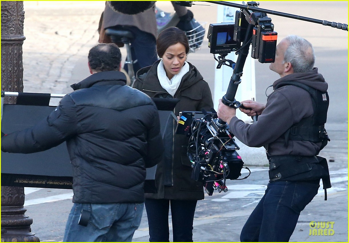 zoe saldana bundled for rosemary baby set 043045303