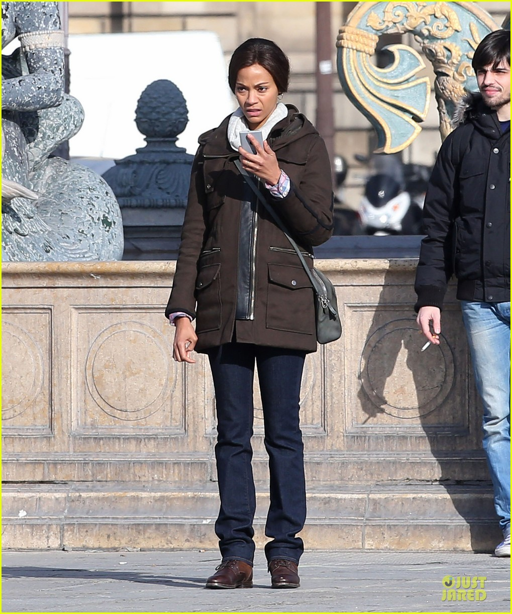 zoe saldana bundled for rosemary baby set 22