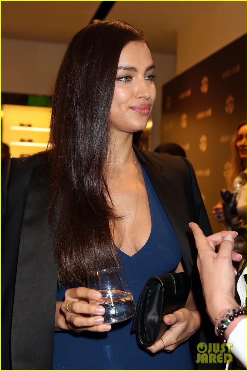 samantha barks irina shayk robert cavalli milan boutique opening 05