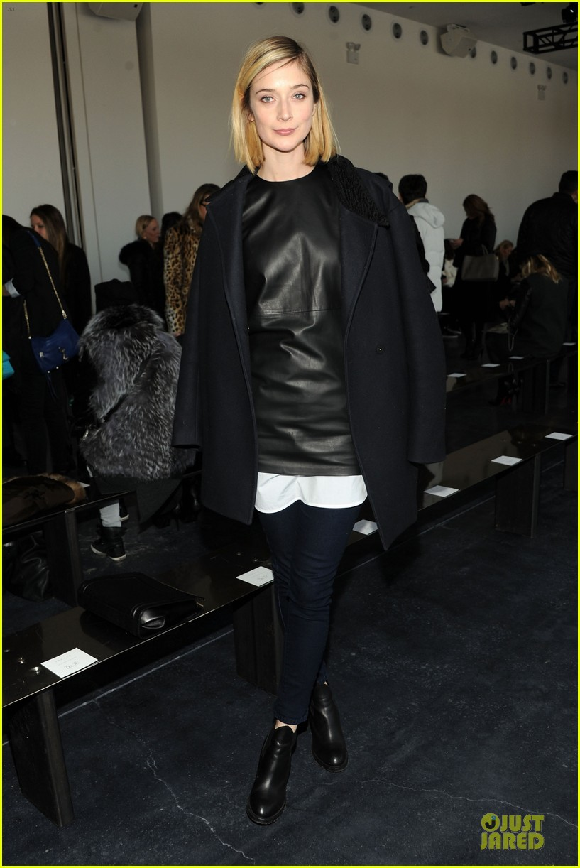 taylor schilling caitlin fitzgerald theory fashion show 073050985