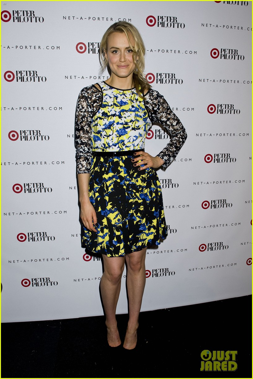 taylor schilling alexa chung peter pilotto for target event 01