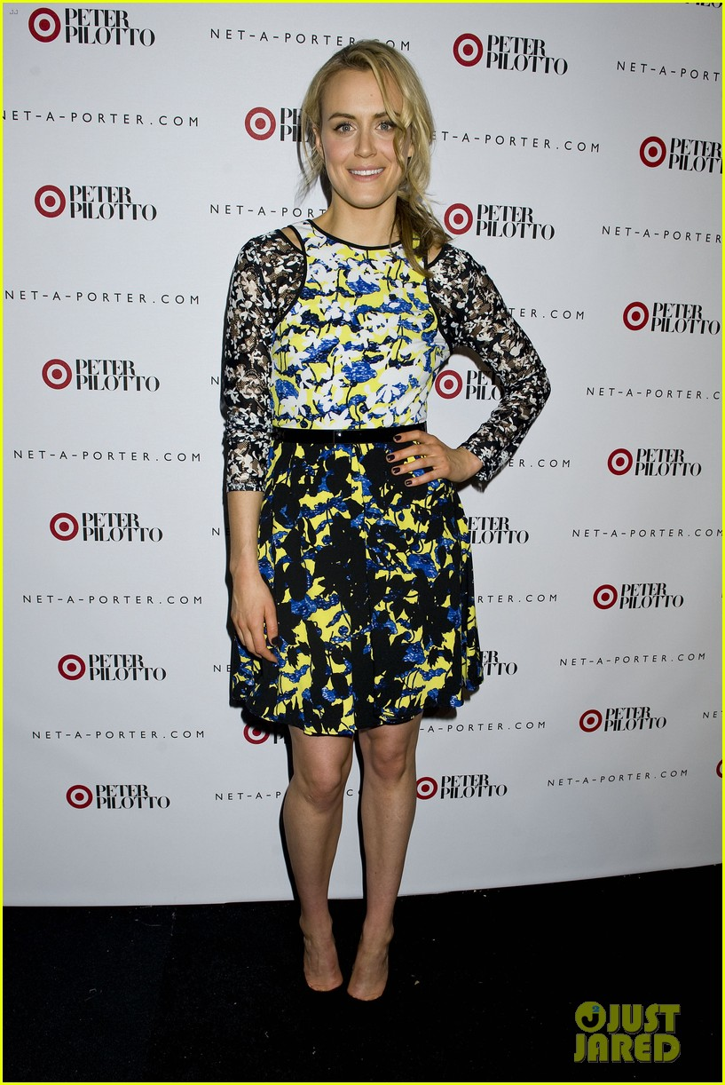 taylor schilling alexa chung peter pilotto for target event 043048835