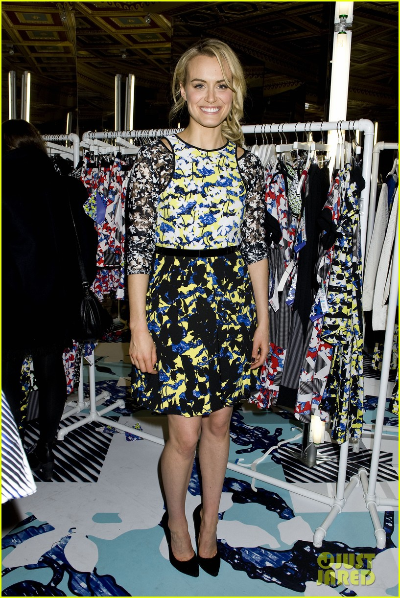 taylor schilling alexa chung peter pilotto for target event 093048840