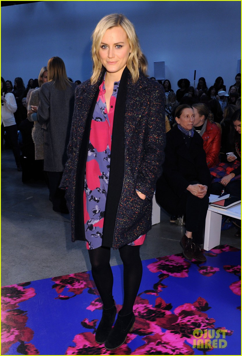 taylor schilling thakoon fashion show 053050450