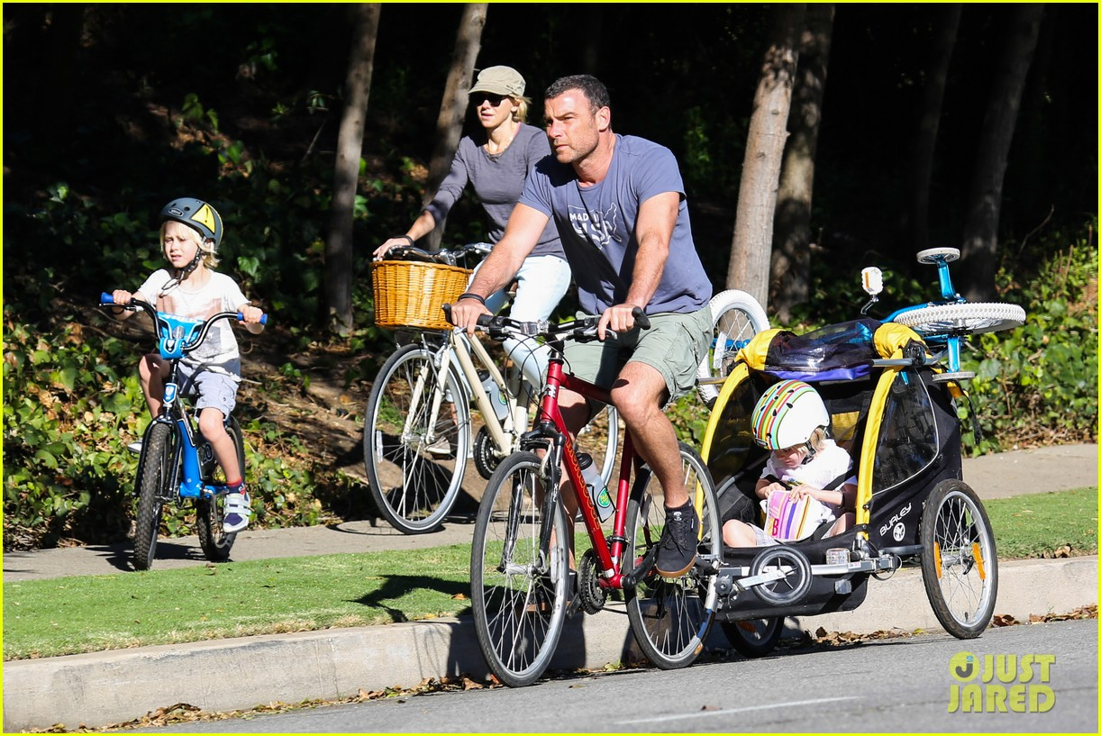 liev schreiber bares hot shirtless bod for family bike ride 033045862