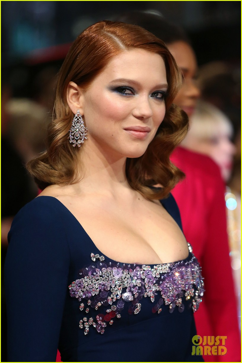 lea seydoux shows blue is the warmest color at baftas 2014 043054680