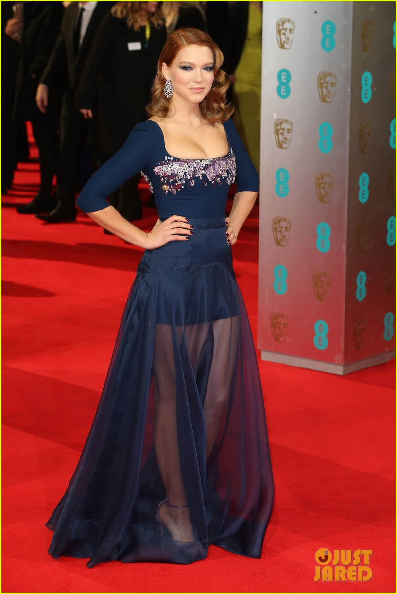 lea seydoux shows blue is the warmest color at baftas 2014 113054687