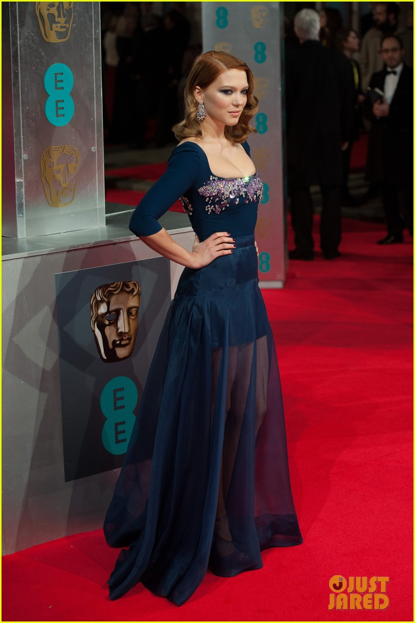 lea seydoux shows blue is the warmest color at baftas 2014 133054689