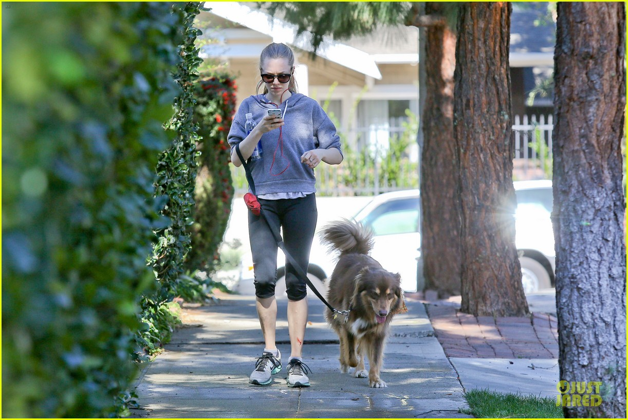amanda seyfried finn likes to scope out talent at the beach 043047035