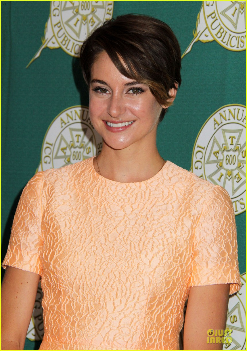 shailene woodley hot divergent pair at icg publicists awards 04