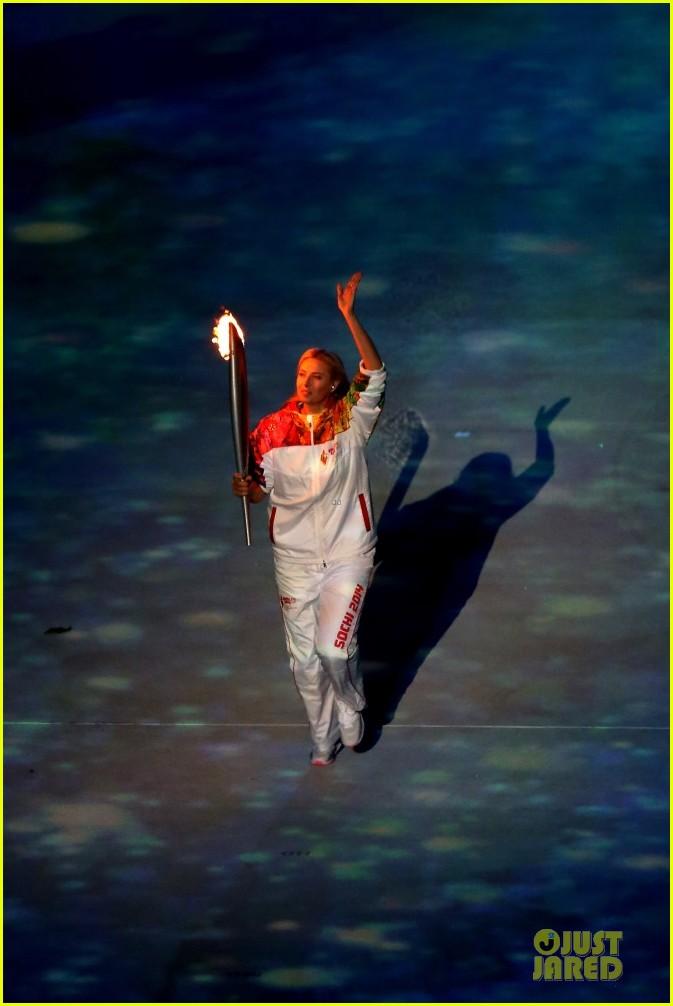 maria sharapova irina shayk sochi olympics 2014 opening ceremony 113049563