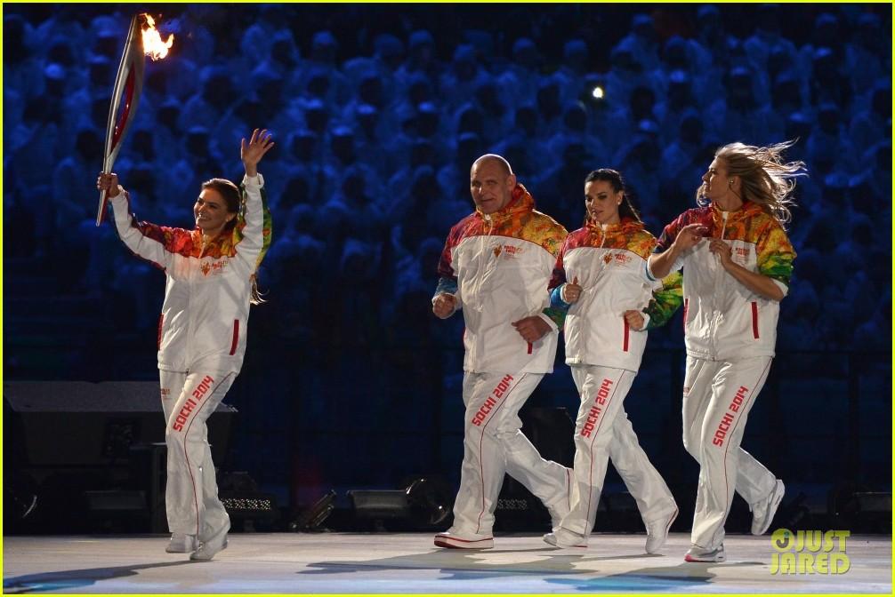 maria sharapova irina shayk sochi olympics 2014 opening ceremony 153049567