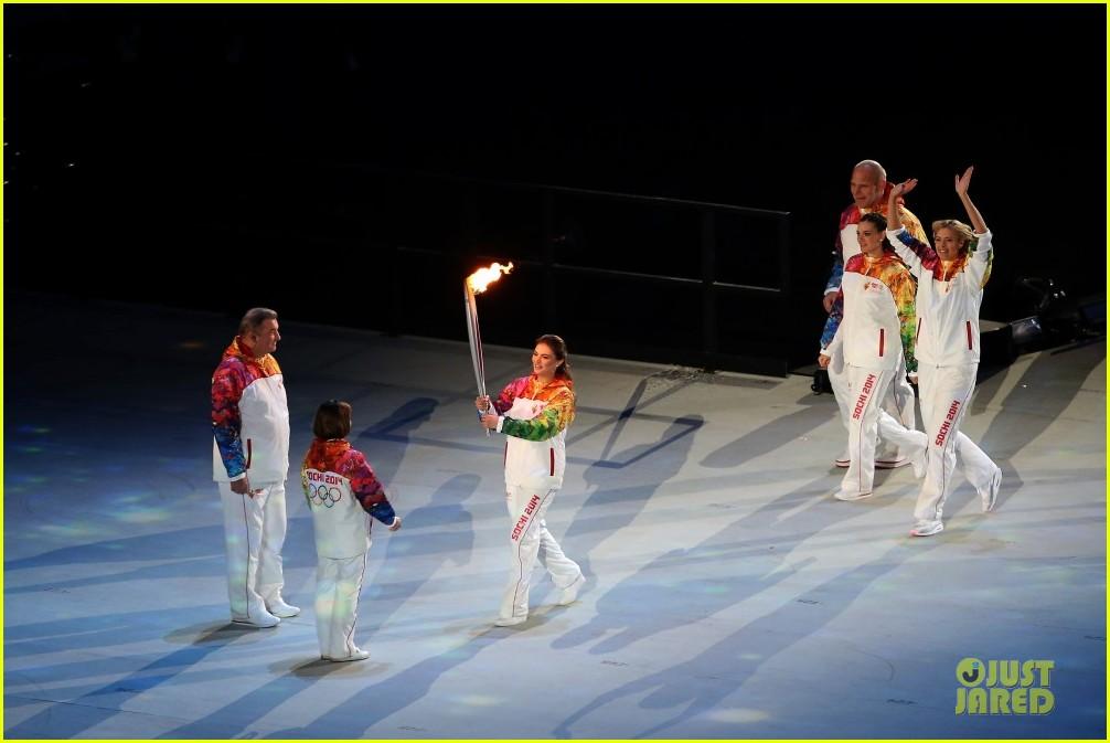 maria sharapova irina shayk sochi olympics 2014 opening ceremony 163049568