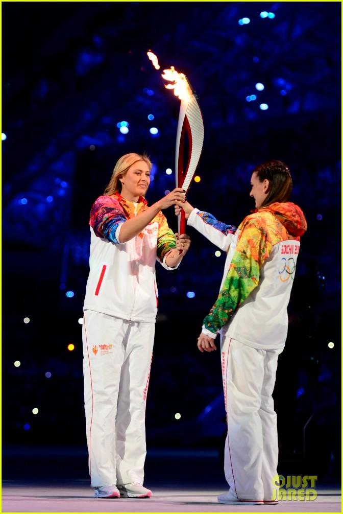 maria sharapova irina shayk sochi olympics 2014 opening ceremony 17